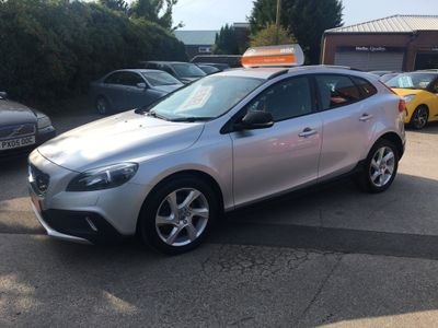 Volvo V40 Cross Country Hatchback 1.6 D2 Lux Nav (s/s) 5dr