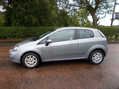 Fiat Punto Hatchback 1.4 8V Easy (s/s) 3dr EU5