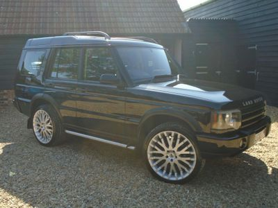 Land Rover Discovery SUV 4.0 i V8 ES 5dr (7 Seats)