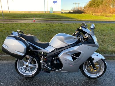 Triumph Sprint ST 1050 Sports Tourer ST