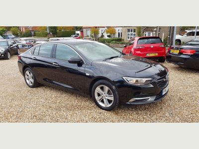 Vauxhall Insignia Hatchback 2.0 Turbo D BlueInjection Tech Line Nav Grand Sport (s/s) 5dr