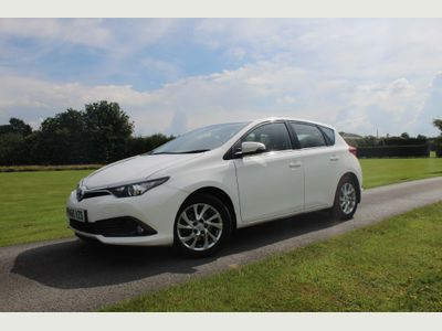 Toyota Auris Hatchback 1.2 VVT-i Business Edition (s/s) 5dr