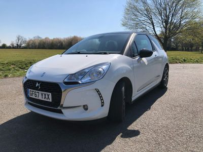DS AUTOMOBILES DS 3 Hatchback 1.2 PureTech Connected Chic (s/s) 3dr