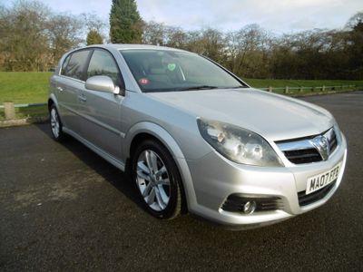 Vauxhall Signum Hatchback 1.9 CDTi 16v Design 5dr