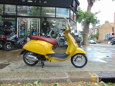 Piaggio Vespa Sprint Scooter 125 Sport 125 3V ABS Scooter