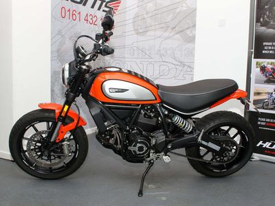 Ducati Scrambler 800 Roadster/Retro 800 Icon ABS