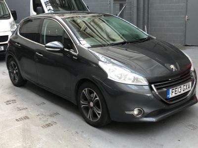 Peugeot 208 Hatchback 1.2 VTi Intuitive 5dr
