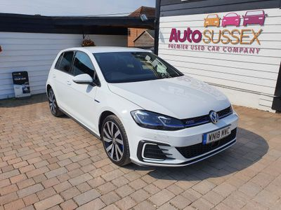 Volkswagen Golf Hatchback 1.4 TSI 8.7kWh GTE Advance DSG (s/s) 5dr