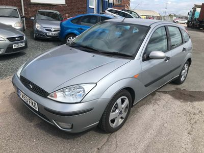Ford Focus Hatchback 1.6 i 16v Edge 5dr