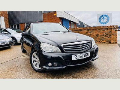 Mercedes-Benz C Class Saloon 2.1 C200 CDI BlueEFFICIENCY SE 7G-Tronic 4dr