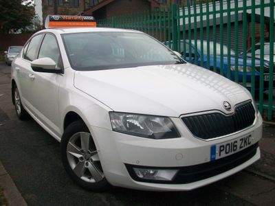 SKODA Octavia Hatchback 1.6 TDI SE Business 5dr