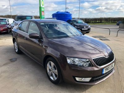 SKODA Octavia Hatchback 1.6 TDI GreenLine III SE Business 5dr