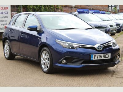 Toyota Auris Hatchback 1.8 VVT-h Business Edition CVT (s/s) 5dr (Safety Sense)