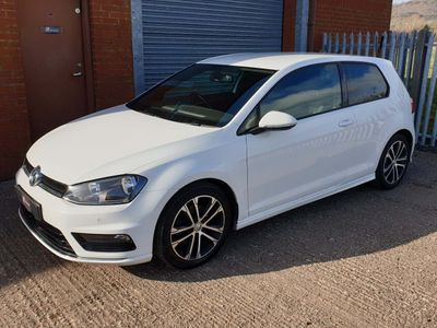 Volkswagen Golf Hatchback 2.0 TDI BlueMotion Tech R-Line Edition (s/s) 3dr