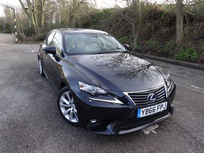 Lexus IS 300 Saloon 2.5 Advance E-CVT 4dr