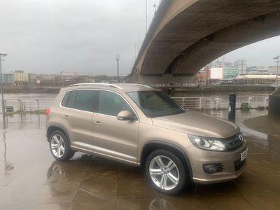 Volkswagen Tiguan SUV 2.0 TDI BlueMotion Tech R-Line DSG 4MOTION (s/s) 5dr