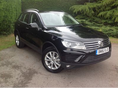 Volkswagen Touareg SUV 3.0 TDI V6 BlueMotion Tech Escape Tiptronic 4WD (s/s) 5dr