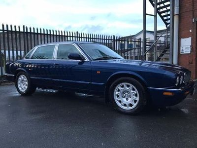 Jaguar XJ Saloon 3.2 XJ8 Executive 4dr