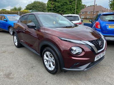 Nissan Juke SUV 1.0 DIG-T N-Connecta (s/s) 5dr