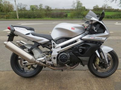 Aprilia SL1000 Falco Super Sports 1000 Falco