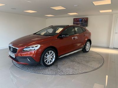 Volvo V40 Cross Country Hatchback 2.0 D3 Pro Cross Country (s/s) 5dr