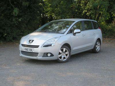 Peugeot 5008 MPV 1.6 HDi FAP Sport 5dr