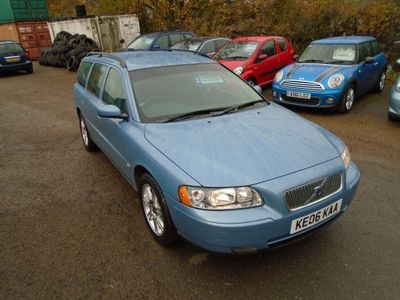 Volvo V70 Estate 2.4 Bi-Fuel SE Estate 5dr Bi Fuel Manual (171 g/km, 140 bhp)
