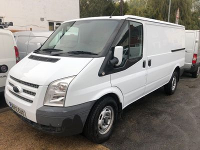 Ford Transit Panel Van 2.2 TDCi 330 Panel Van M 5dr (MWB)