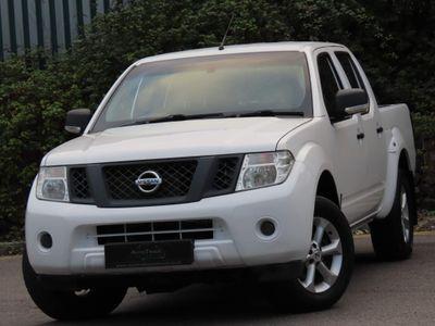 Nissan Navara Pickup 2.5 dCi Visia Double Cab Pickup 4WD 4dr (EU5)