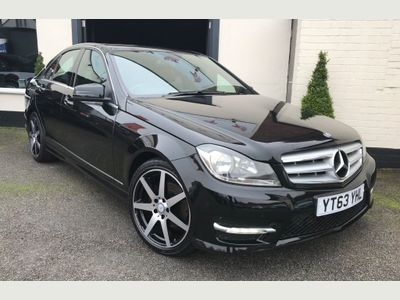 Mercedes-Benz C Class Saloon 2.1 C220 CDI BlueEFFICIENCY AMG Sport 4dr (COMAND)