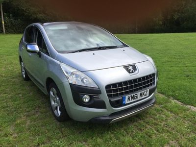 Peugeot 3008 SUV 1.6 e-HDi FAP Exclusive EGC 5dr