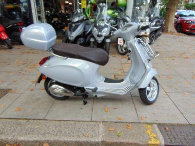 Piaggio Vespa Primavera Moped Primavera 50 2T Touring Moped