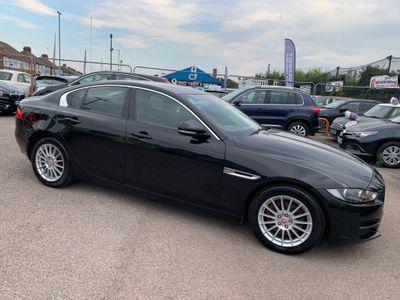 Jaguar XE Saloon 2.0d SE (s/s) 4dr