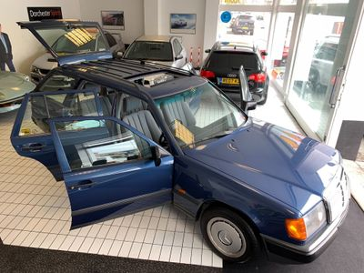 Mercedes-Benz 230 Estate 2.3 TE 5dr