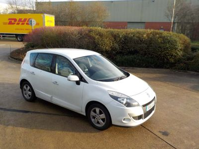 Renault Scenic MPV 1.5 dCi Dynamique EDC Auto 5dr (Tom Tom)