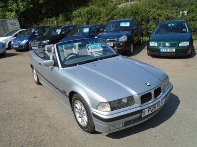 BMW 3 SERIES Saloon 2.8 328i Convertible 2dr Petrol Manual (221 g/km, 193 bhp)
