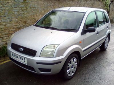 Ford Fusion Hatchback 1.6 2 5dr