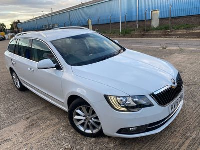 SKODA Superb Estate 1.6 TDI GreenLine III Elegance 5dr