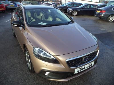 Volvo V40 Cross Country Hatchback 2.0 D3 Lux Nav Cross Country (s/s) 5dr