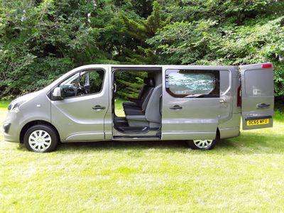 Vauxhall Vivaro Combi Van 1.6 CDTi 2900 BiTurbo ecoFLEX Sportive Crew Van L2 H1 EU5 (s/s) 5dr (6 Seat)