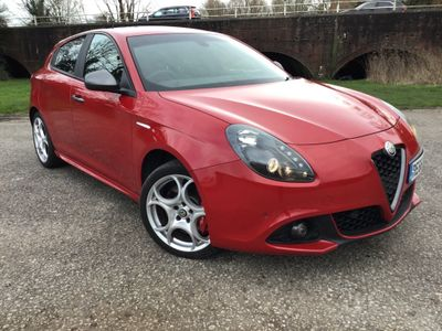 Alfa Romeo Giulietta Hatchback 2.0 JTDM-2 Speciale (s/s) 5dr