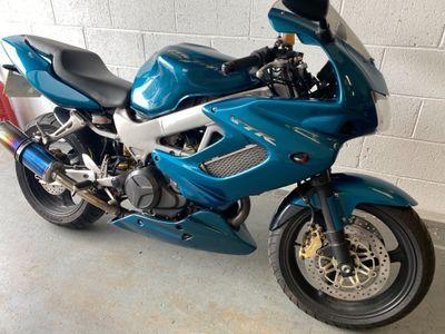 Honda VTR1000 Sports Tourer 1000 Firestorm Y
