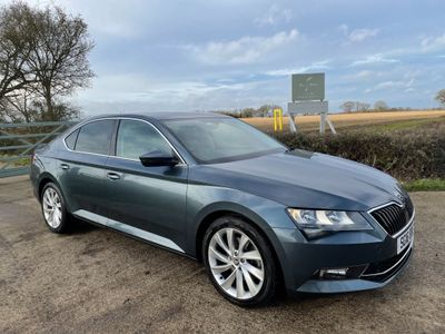 SKODA Superb Hatchback 2.0 TDI SE Technology (s/s) 5dr
