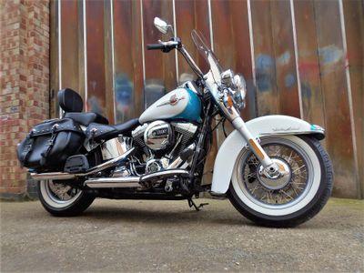 Harley-Davidson Softail Custom Cruiser 1690 FLSTC Heritage Softail Classic Custom Cruiser