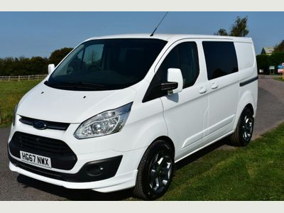 Ford TRANSIT CUSTOM 270 LIMITED LR P/V Van Conversion 2.0 TDCi 270 Limited KOMBI & CAMPER