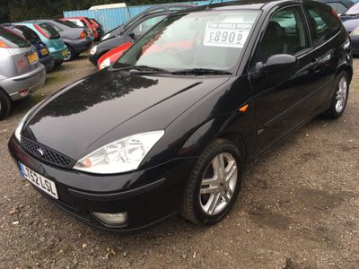 FORD FOCUS Hatchback 2.0 i 16v Zetec 3dr