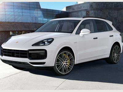 Porsche Cayenne SUV 4.0 V8 14.1kWh Turbo S Tiptronic 4WD (s/s) 5dr