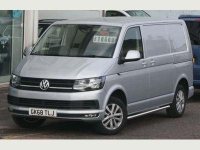 VOLKSWAGEN TRANSPORTER Panel Van 2.0 TDI BlueMotion Tech T28 Highline Panel Van 5dr (EU6, SWB)