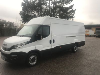 Iveco Daily Panel Van 2.3 TD 14V 35S 4100 HiMatic 5dr