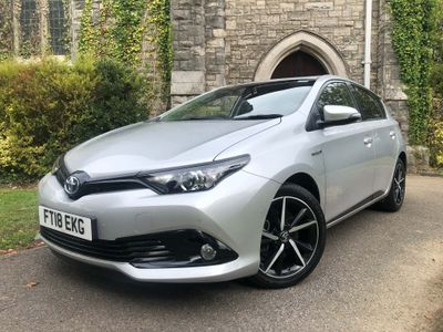 Toyota Auris Hatchback 1.8 VVT-h Design CVT (s/s) 5dr
